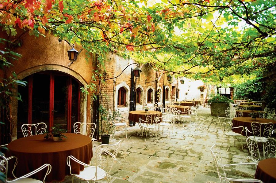 Италия, Европа