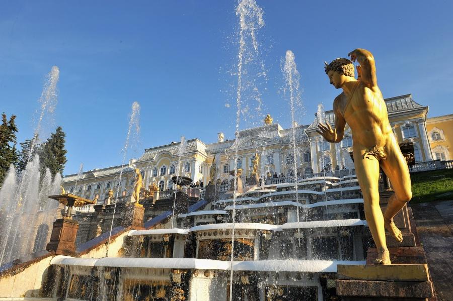 Открытие фонтанов Петергофа, Ленинградская область, Россия, Европа